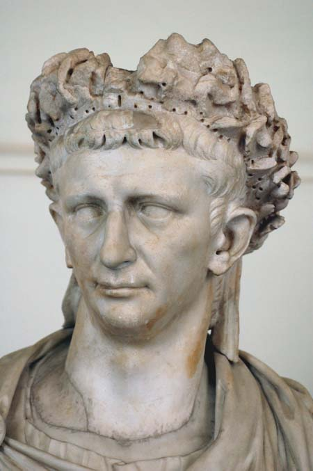 the emporer caesar essay Julius caesar caesar, julius - essay the emperor marcus aurelius was wilson-knight in his essay on the eroticism of julius caesar emphasises the duality of.